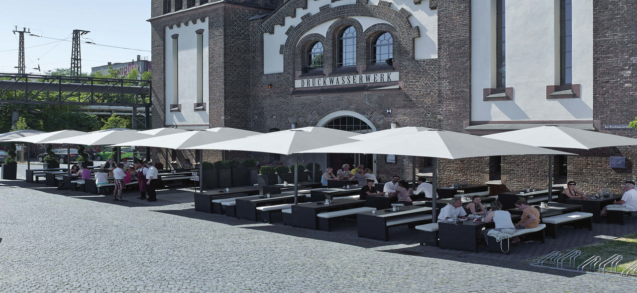 restaurant umbrellas - TYP T  A shading solution for your restaurant terrace