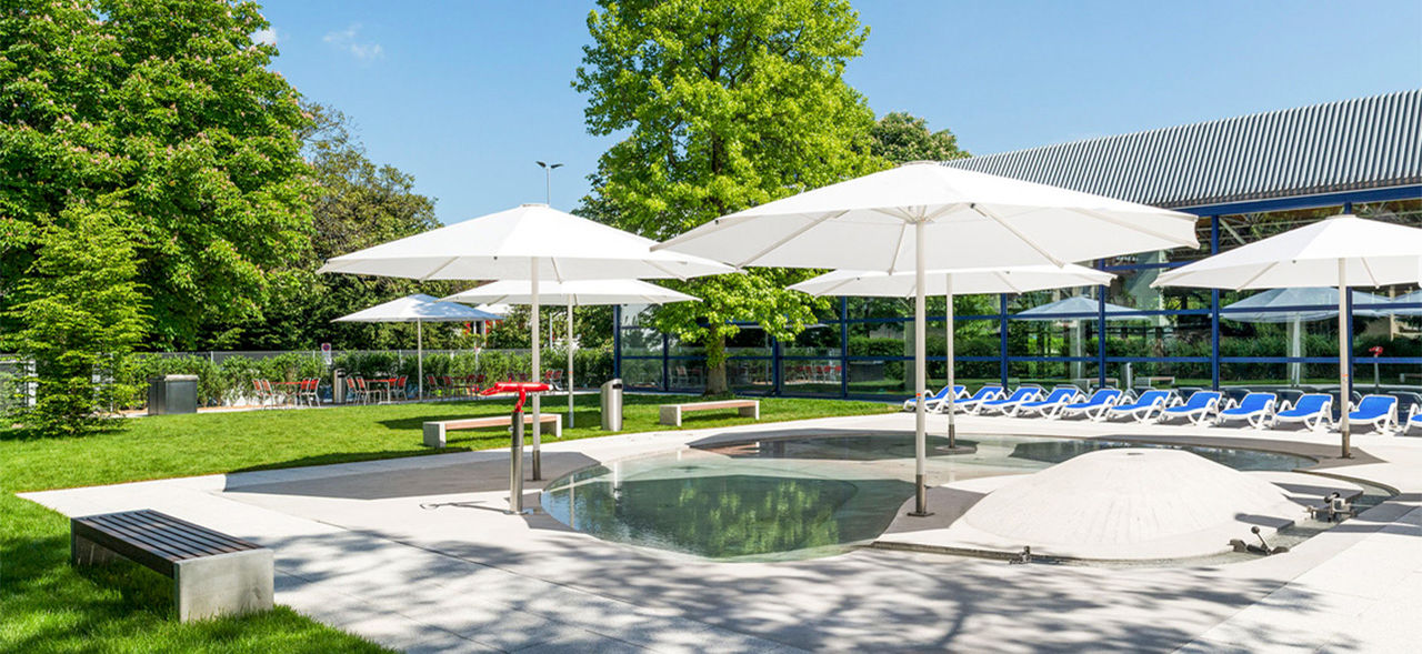 Outdoor and indoor swimming pool Alstetten